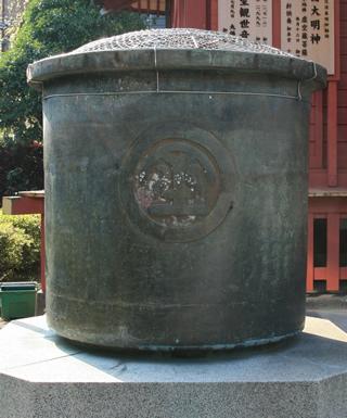 写真:天水桶